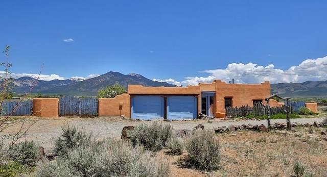 11 Eototo, Taos, NM 87571 (MLS #202001759) :: The Very Best of Santa Fe