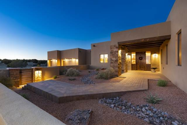 26 Calle Ventoso West, Santa Fe, NM 87506 (MLS #202001790) :: The Desmond Hamilton Group
