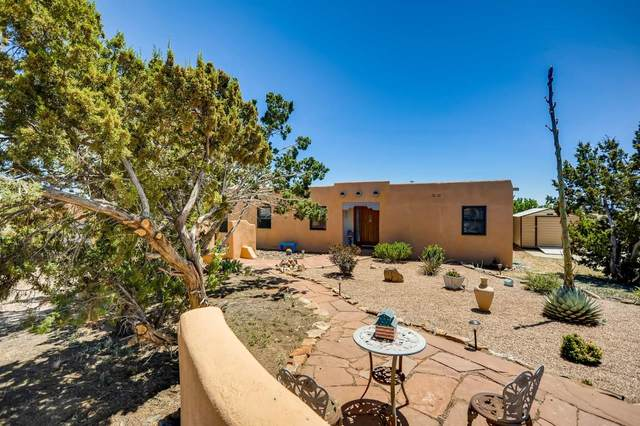 34 Mimosa Rd, Santa Fe, NM 87508 (MLS #202001792) :: The Desmond Hamilton Group
