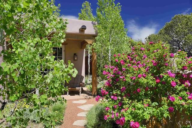 59 Sunflower Drive, Santa Fe, NM 87506 (MLS #202001795) :: The Desmond Hamilton Group