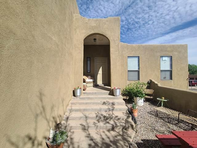 2340 Camino Pintores, Santa Fe, NM 87505 (MLS #202001839) :: The Desmond Hamilton Group