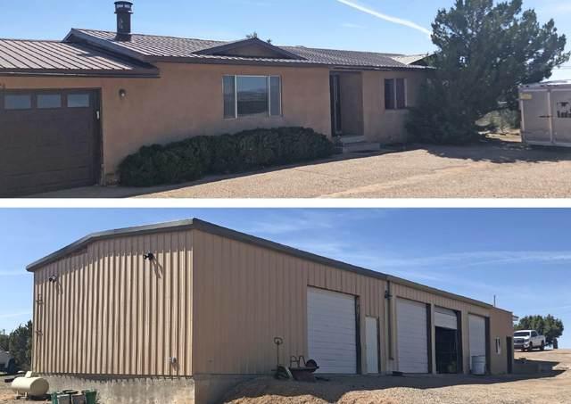 12 Vista Del Monte, Santa Fe, NM 87508 (MLS #202001843) :: The Desmond Hamilton Group