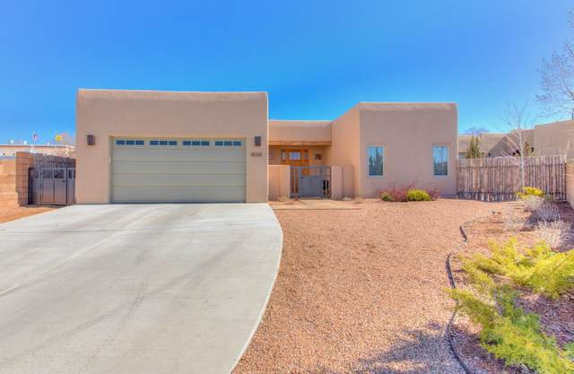 1505 Calle Preciosa, Santa Fe, NM 87505 (MLS #202001874) :: The Desmond Hamilton Group