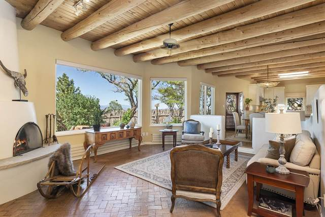 3 Mariano Road, Santa Fe, NM 87508 (MLS #202001900) :: The Desmond Hamilton Group