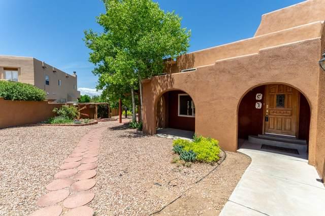 3200 Rinconada Circle, Santa Fe, NM 87507 (MLS #202001906) :: The Desmond Hamilton Group