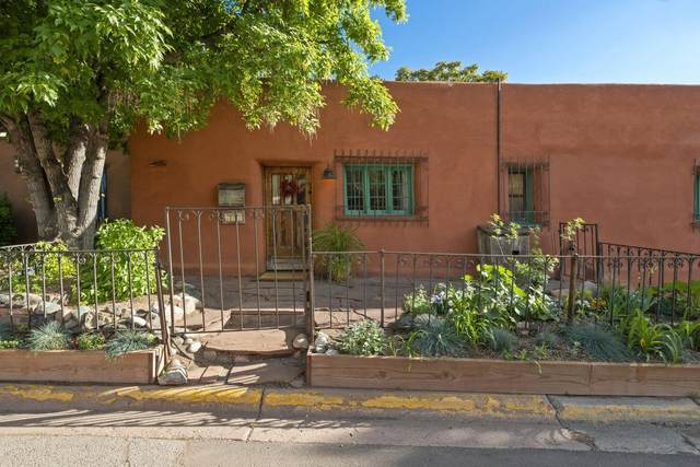 942 Canyon Rd A & B, Santa Fe, NM 87501 (MLS #202001952) :: Berkshire Hathaway HomeServices Santa Fe Real Estate