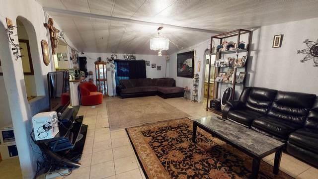 1299 Vegas Verdes, Santa Fe, NM 87507 (MLS #202001993) :: The Very Best of Santa Fe