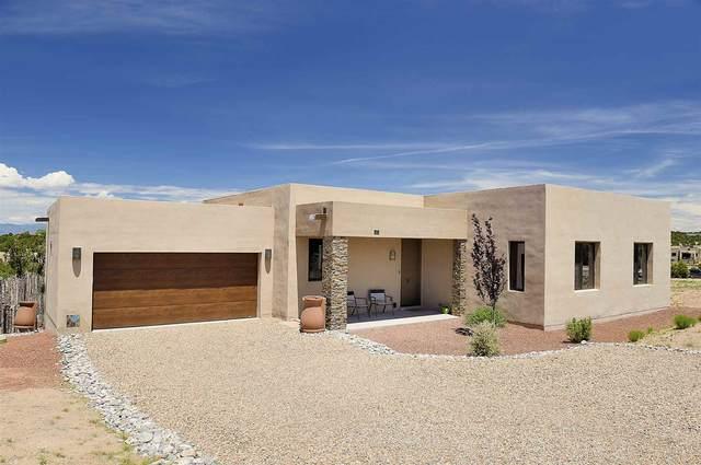 13 Via Harena, Santa Fe, NM 87507 (MLS #202002042) :: The Desmond Hamilton Group