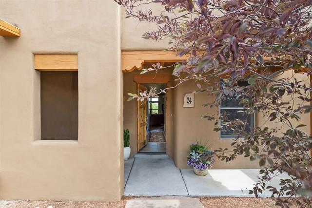 24 E Via Plaza Nueva, Santa Fe, NM 87507 (MLS #202002073) :: The Desmond Hamilton Group