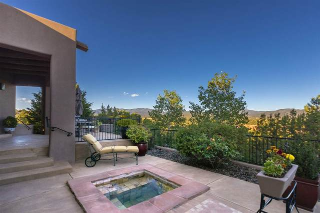824 Calle David, Santa Fe, NM 87506 (MLS #202002157) :: Berkshire Hathaway HomeServices Santa Fe Real Estate