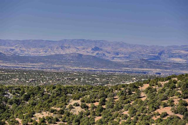 1084 S Summit Ridge Lot 1, Santa Fe, NM 87501 (MLS #202002277) :: The Very Best of Santa Fe