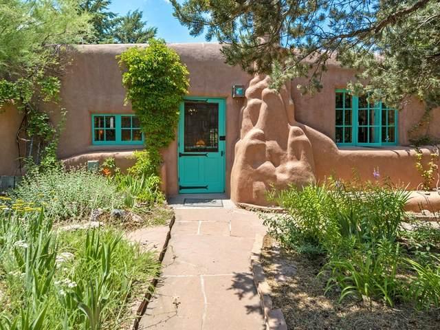 542 Camino Del Monte Sol, Santa Fe, NM 87505 (MLS #202002284) :: The Desmond Hamilton Group