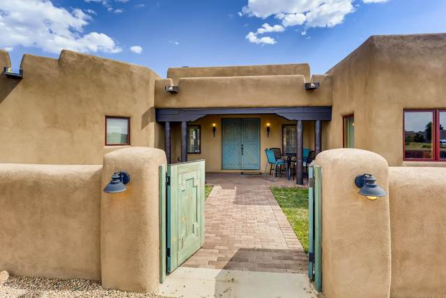 43 E Saddleback Mesa, Santa Fe, NM 87508 (MLS #202002305) :: Berkshire Hathaway HomeServices Santa Fe Real Estate