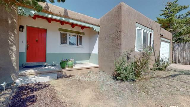 107 Mateo Circle, Santa Fe, NM 87505 (MLS #202002323) :: The Desmond Hamilton Group
