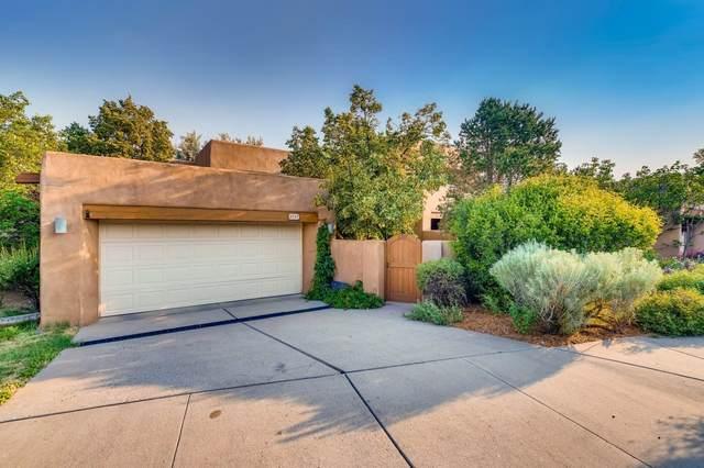 2717 Herradura, Santa Fe, NM 87505 (MLS #202002358) :: The Desmond Hamilton Group