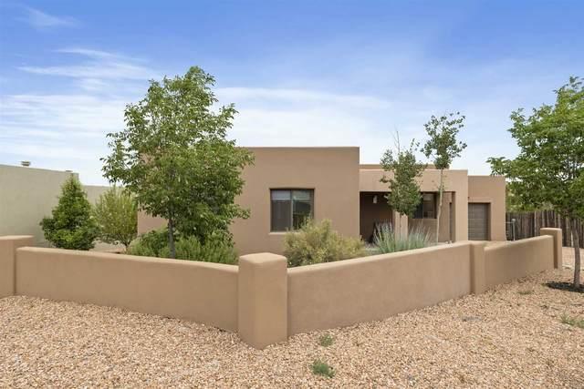 35 Arroyo Privado, Santa Fe, NM 87507 (MLS #202002371) :: The Desmond Hamilton Group