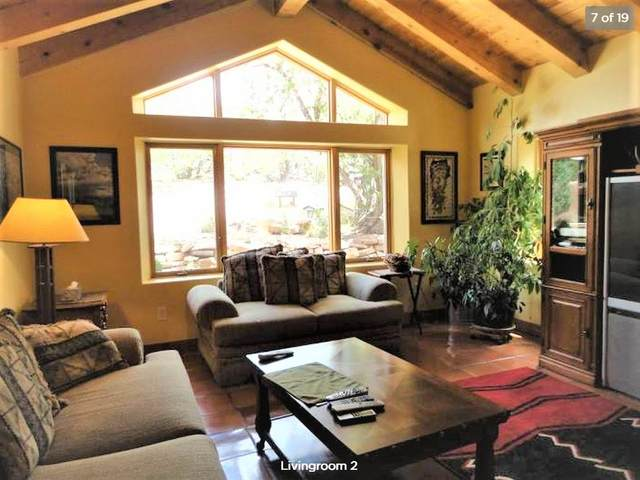 41 Vista Calabasas, Santa Fe, NM 87506 (MLS #202002397) :: The Very Best of Santa Fe