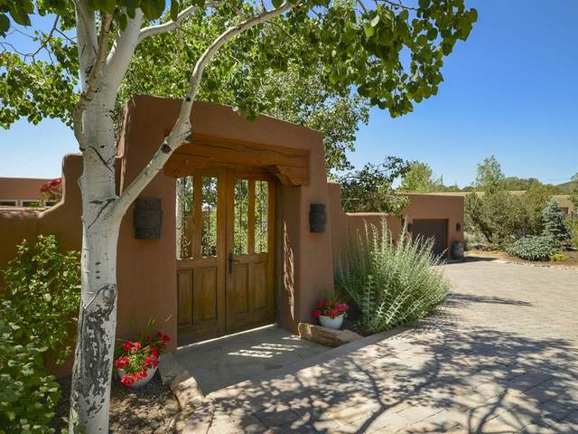 730 Panorama Ln, Santa Fe, NM 87501 (MLS #202002419) :: The Desmond Hamilton Group