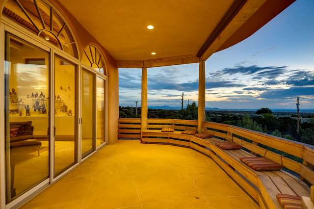 4 Camino Monte Feliz, Santa Fe, NM 87505 (MLS #202002435) :: The Desmond Hamilton Group