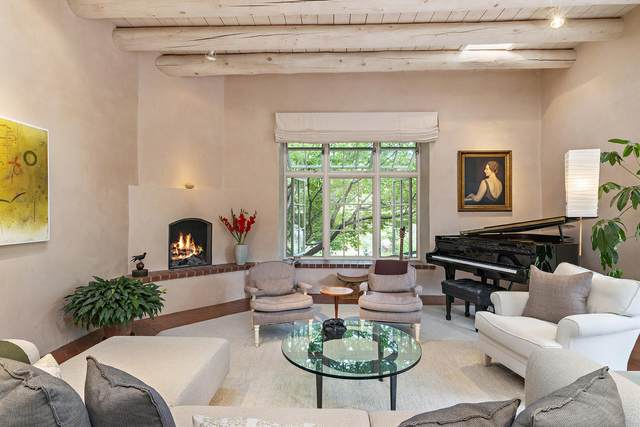 851 Camino Ranchitos, Santa Fe, NM 87505 (MLS #202002456) :: The Desmond Hamilton Group