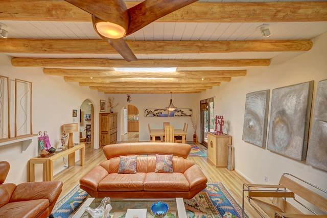2115 Fort Union Drive, Santa Fe, NM 87505 (MLS #202002478) :: The Desmond Hamilton Group