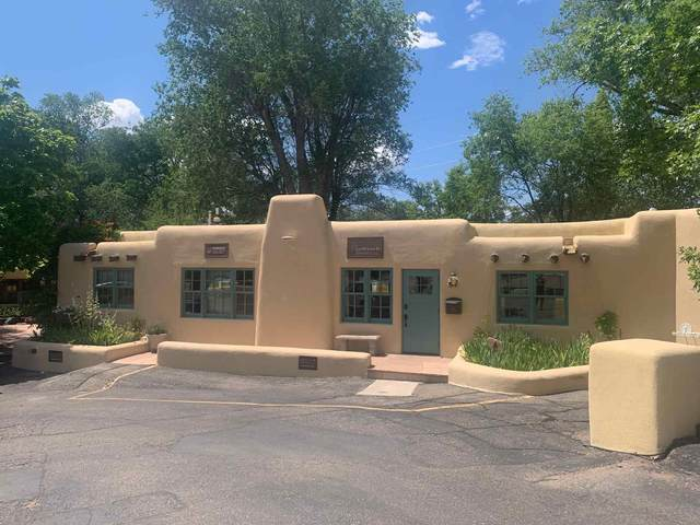 414 Old Taos Highway, Santa Fe, NM 87501 (MLS #202002499) :: The Desmond Hamilton Group