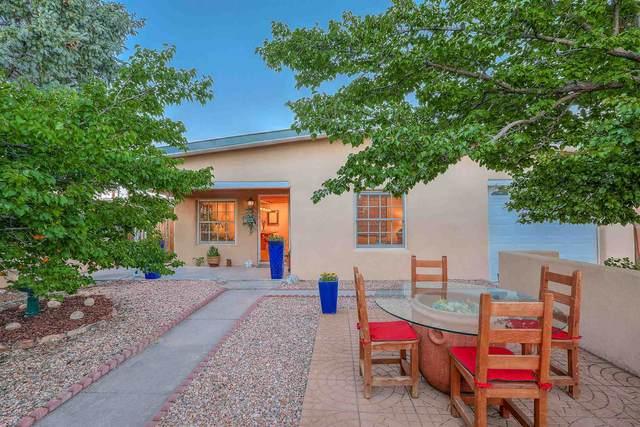 717 Camino Santa  Ana, Santa Fe, NM 87505 (MLS #202002503) :: The Very Best of Santa Fe