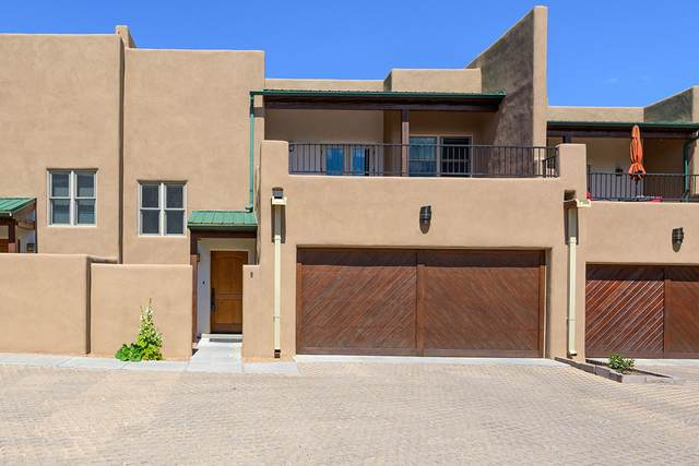 300 Camino De Los Marquez #6, Santa Fe, NM 87505 (MLS #202002506) :: The Desmond Hamilton Group