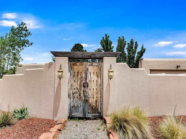 2126 Calle Tecolote, Santa Fe, NM 87505 (MLS #202002525) :: The Very Best of Santa Fe