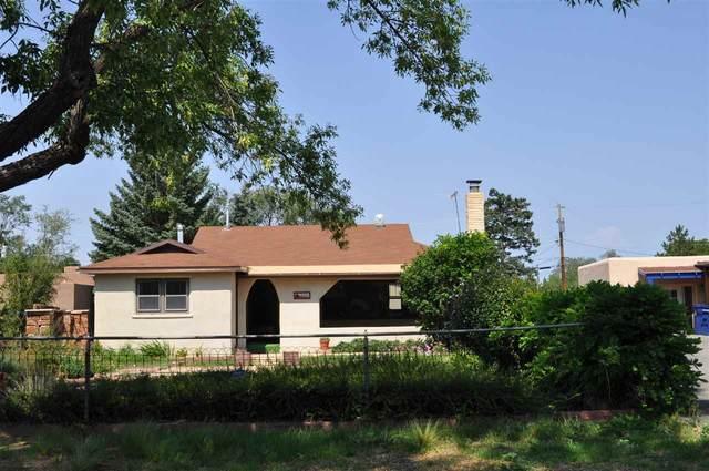 210 Lugar De Monte Vista, Santa Fe, NM 87501 (MLS #202002533) :: The Desmond Hamilton Group