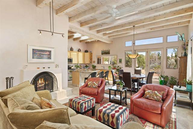 1609 A Don Gaspar, Santa Fe, NM 87505 (MLS #202002574) :: The Desmond Hamilton Group