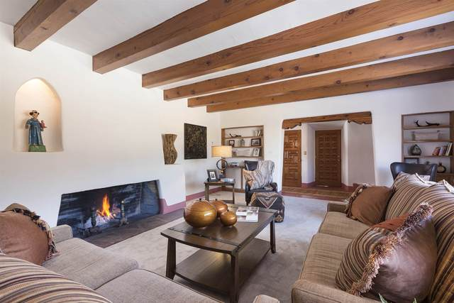 310 E Coronado, Santa Fe, NM 87505 (MLS #202002581) :: The Desmond Hamilton Group
