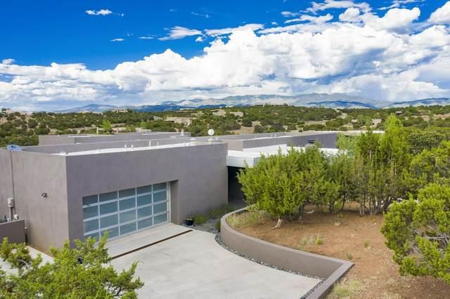 4 Bella Loma, Santa Fe, NM 87506 (MLS #202002677) :: The Very Best of Santa Fe
