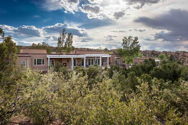 38 Circle Drive Compound, Santa Fe, NM 87501 (MLS #202002724) :: The Very Best of Santa Fe