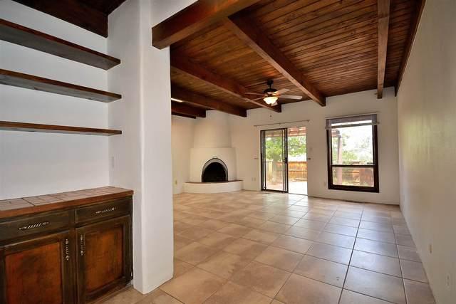 3054 Plaza Blanca, Santa Fe, NM 87507 (MLS #202002856) :: Berkshire Hathaway HomeServices Santa Fe Real Estate