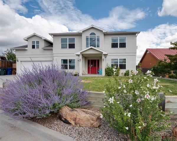 877 Estates Dr, Los Alamos, NM 87544 (MLS #202002880) :: The Desmond Hamilton Group