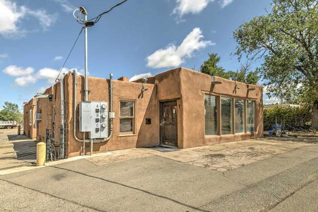 2861 Agua Fria, Santa Fe, NM 87507 (MLS #202002988) :: The Desmond Hamilton Group
