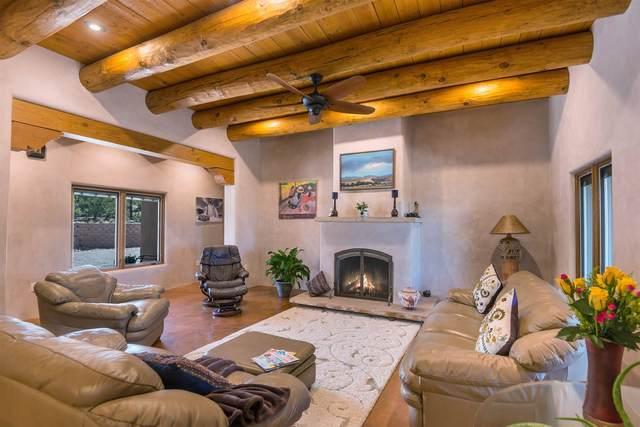 221 Camino Del Norte, Santa Fe, NM 87501 (MLS #202002989) :: The Very Best of Santa Fe