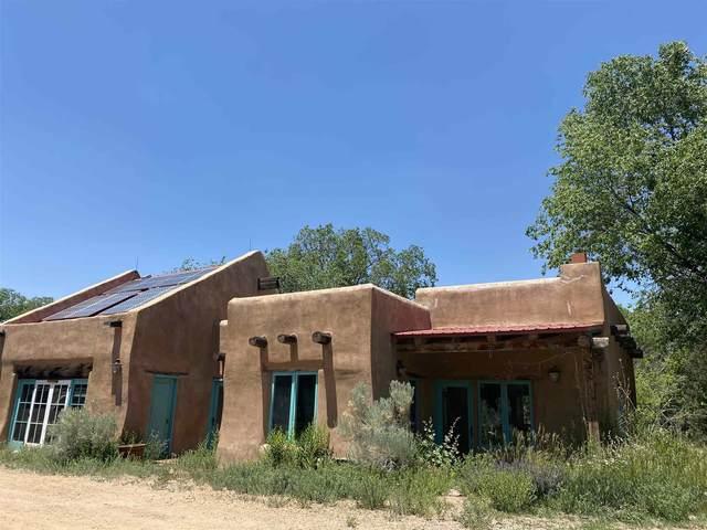 1548 Bishops Lodge Rd, Santa Fe, NM 87506 (MLS #202003031) :: The Desmond Hamilton Group