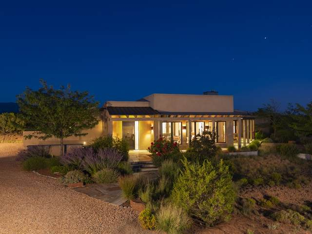 40 Koshari, Santa Fe, NM 87506 (MLS #202003088) :: The Very Best of Santa Fe
