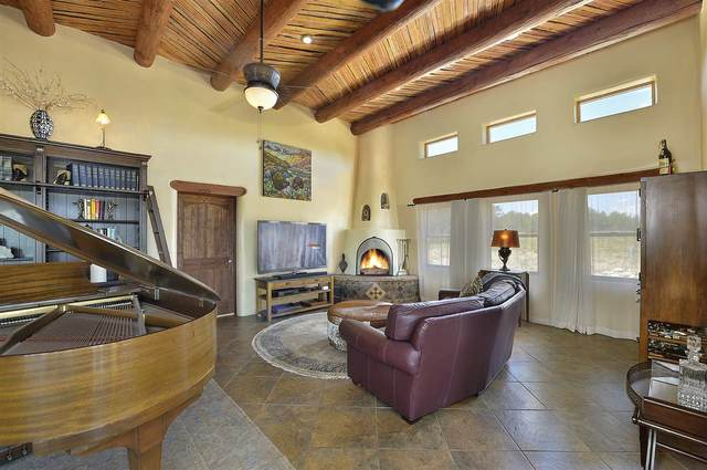 8 Paseo Del Paloma, Santa Fe, NM 87506 (MLS #202003089) :: The Very Best of Santa Fe