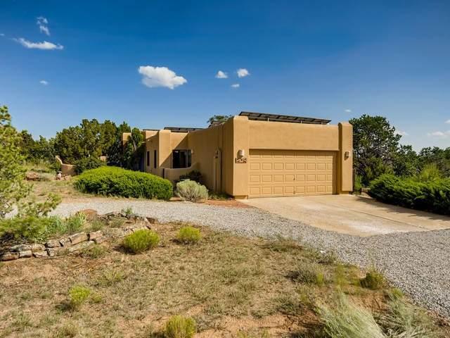 9 Chusco, Santa Fe, NM 87508 (MLS #202003099) :: The Desmond Hamilton Group