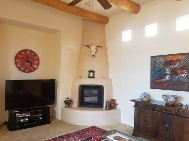 7 Mesa Pino, Santa Fe, NM 87508 (MLS #202003147) :: The Very Best of Santa Fe
