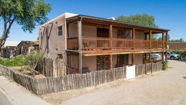 723 Agua Fria A, Santa Fe, NM 87501 (MLS #202003188) :: The Desmond Hamilton Group