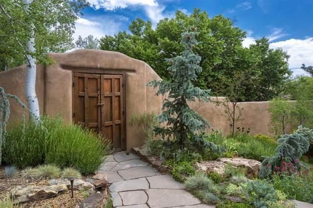 586 Camino Del Monte Sol, Santa Fe, NM 87505 (MLS #202003250) :: The Desmond Hamilton Group