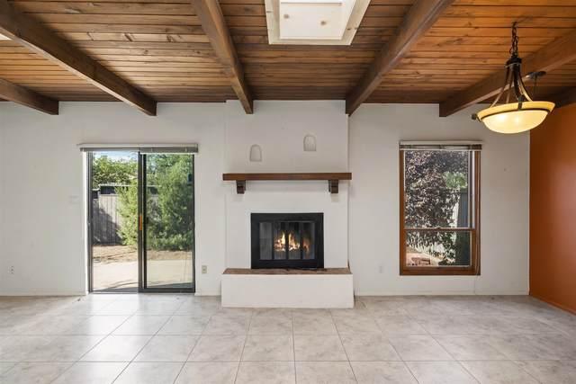 2964 Plaza Blanca, Santa Fe, NM 87505 (MLS #202003394) :: Berkshire Hathaway HomeServices Santa Fe Real Estate