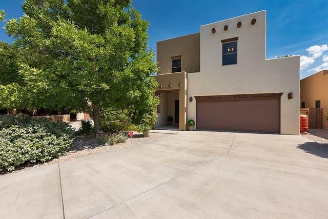 1572 Corte La Canada, Santa Fe, NM 87501 (MLS #202003452) :: The Very Best of Santa Fe