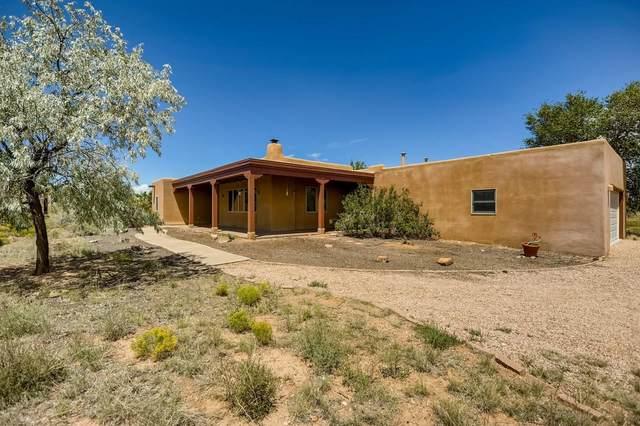 52 Condesa Rd, Santa Fe, NM 87508 (MLS #202003498) :: Berkshire Hathaway HomeServices Santa Fe Real Estate