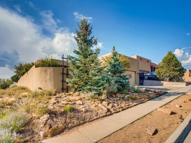2924 Pueblo Tsankawi, Santa Fe, NM 87507 (MLS #202003601) :: Summit Group Real Estate Professionals