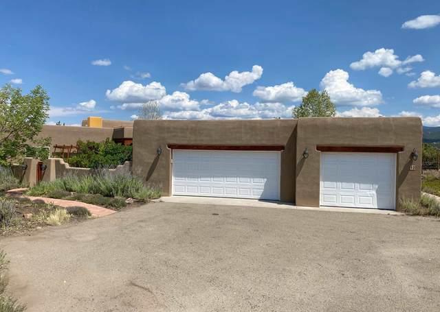 12 Camino Azulejo, Santa Fe, NM 87508 (MLS #202003670) :: Berkshire Hathaway HomeServices Santa Fe Real Estate